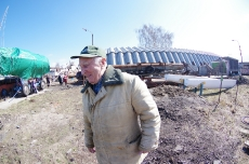 Субботник по уборке территории 16.04.2016