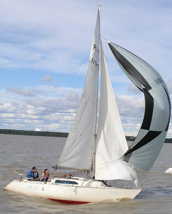 Яхта Леда